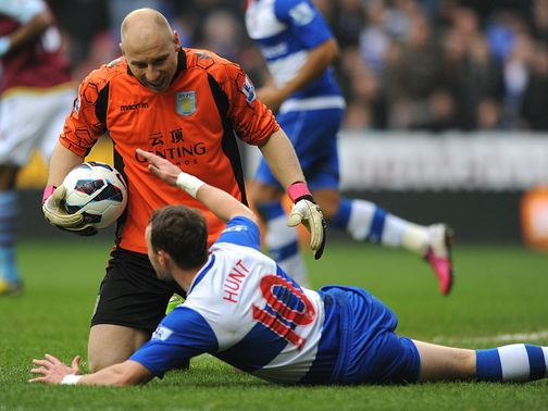 Hunt was floored in a clash with Guzan
