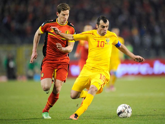 Jan Vertonghen and Goran Pandev battle for the ball