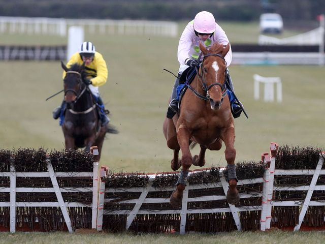 Annie Power on her way to another clear-cut success