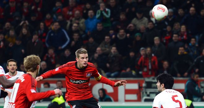 Bender heads in Leverkusen's late winner