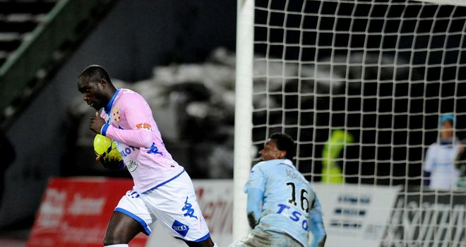 Yannick Sagbo gets Evian back into the game