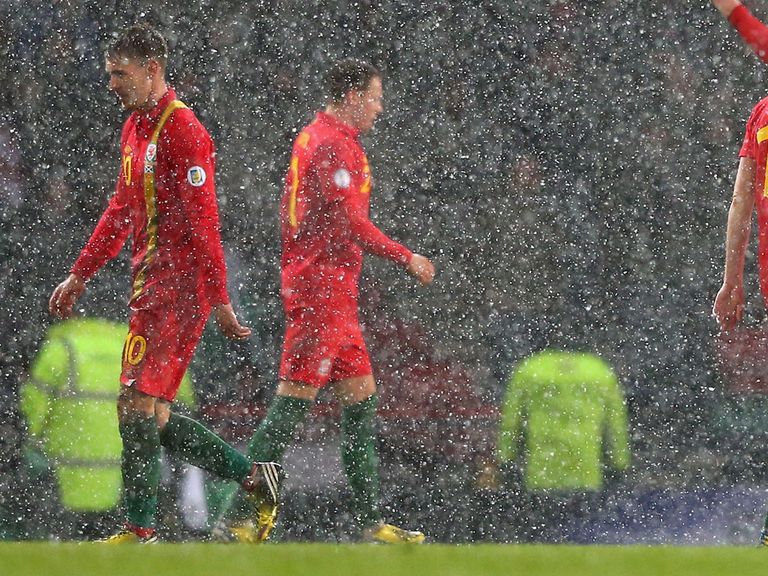 Aaron Ramsey: Wales midfielder sorry for red card against Scotland