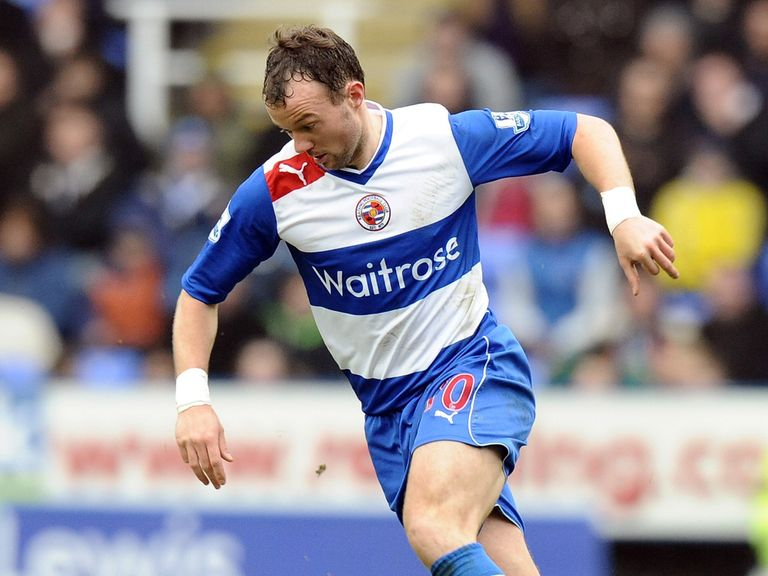 Noel Hunt: Looking for new club