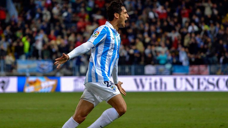 Roque Santa Cruz: Striker is prepared to take a pay cut to stay Malaga