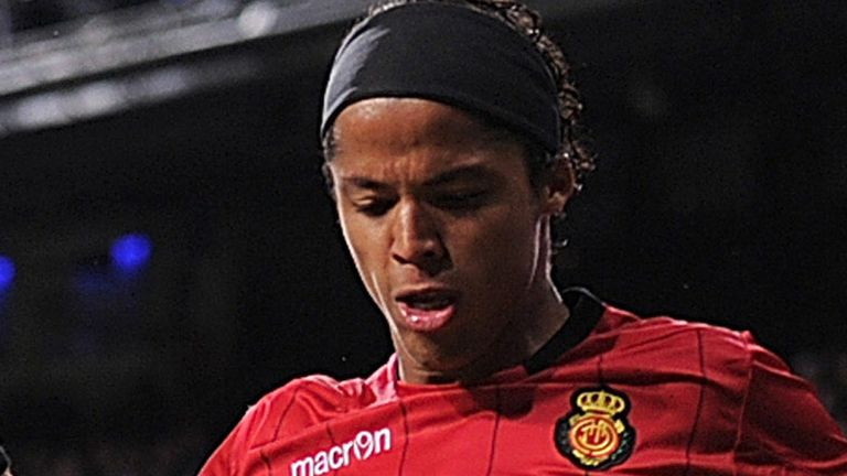 Giovani Dos Santos: Late winner for Mallorca