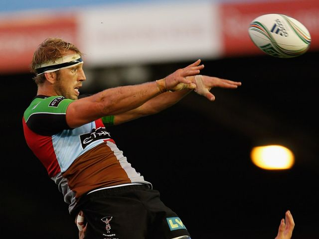 Chris Robshaw is back at the heart of the Harlequins pack