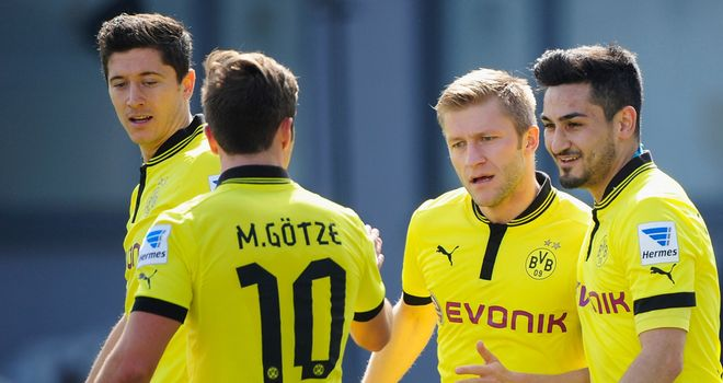 Borussia Dortmund celebrate against Greuther Furth