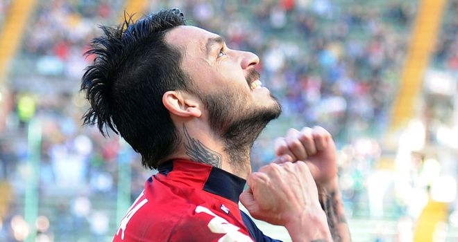 Mauricio Pinilla celebrates for Cagliari