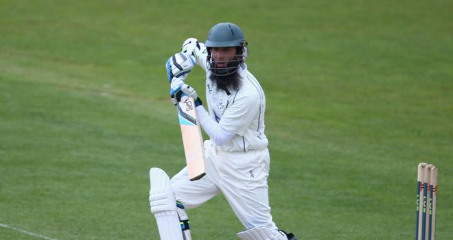 Moeen Ali helps Worcestershire to victory