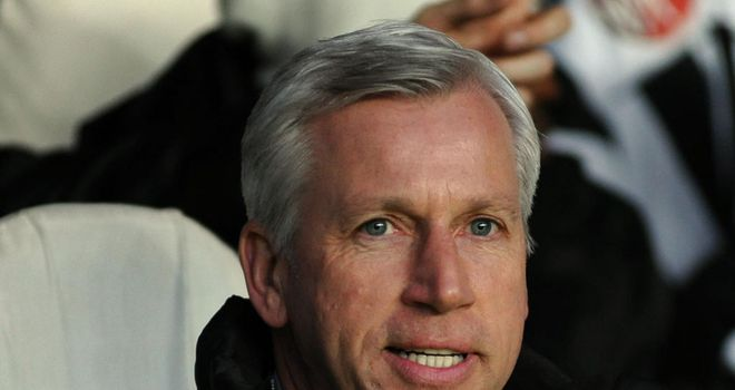 Newcastle-v-benfica-alan-pardew_2928121