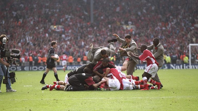 Charlton Athletic celebrate after the play-off final against Sunderland at Wembley