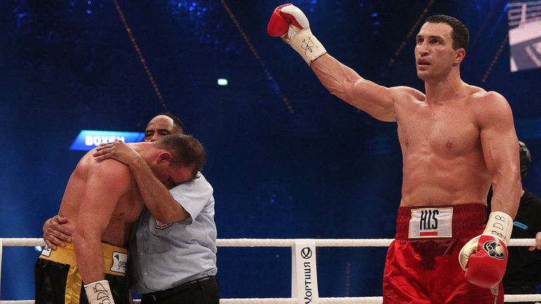 Wladimir Klitschko on his way to an easy victory