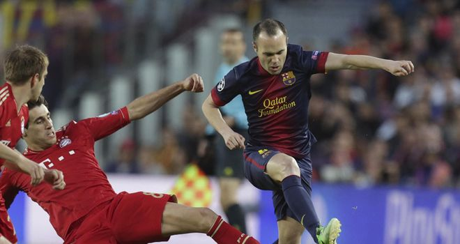 Andres Iniesta: Barcelona midfielder keen to sign new contract at Camp Nou