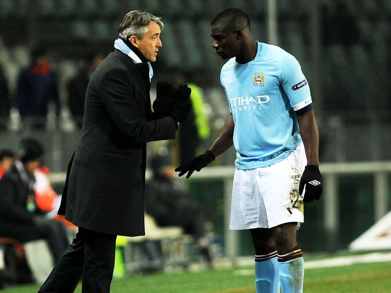 Micah Richards: Set for talks over new City contract