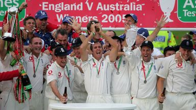 Michael Vaughan and England celebrate their Ashes win