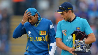 Tillakaratne Dilshan retires hurt during the Champions Trophy semi-final