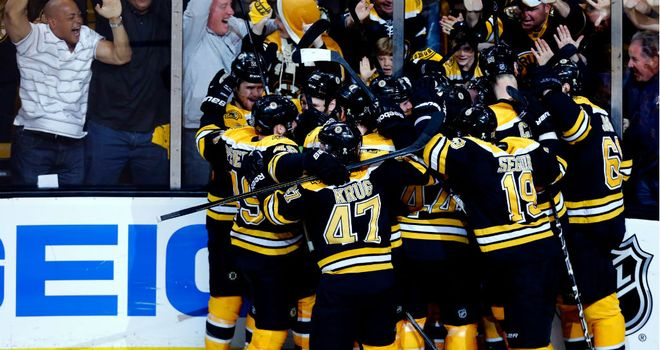Boston Bruins celebrate beating the Pittsburgh Penguins