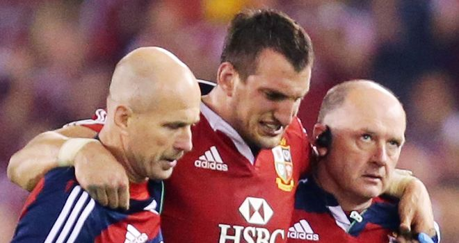 Sam Warburton: Stayed in Melbourne for further assessment