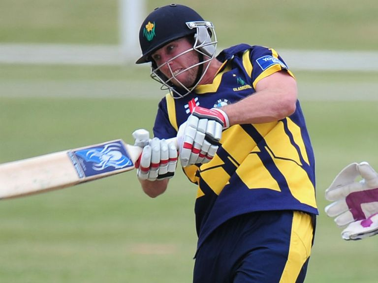 Chris Cooke helped Glamorgan to victory