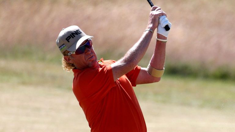 Miguel Angel Jimenez: One-shot lead over Woods and Westwood at halfway