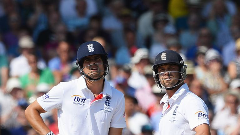 Jonathan Trott (R): Was at the centre of a controversial DRS decision