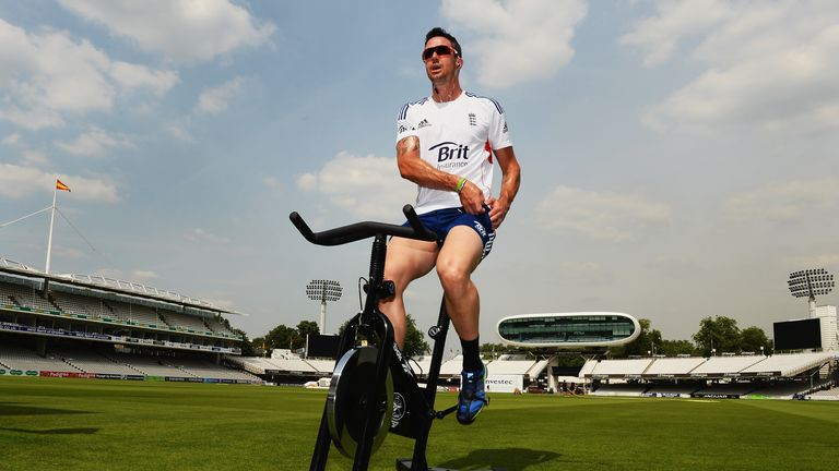 Kevin Pietersen: Picked up an injury during the second Test