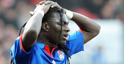 Bafetimbi Gomis: Won't be signing a new deal