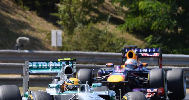 Hamilton quickly broke free of the World Champion in the first stint