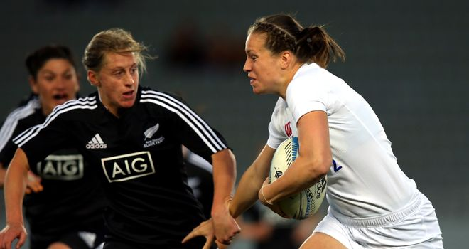 Emily Scarratt: Moves to centre for England for the second Test
