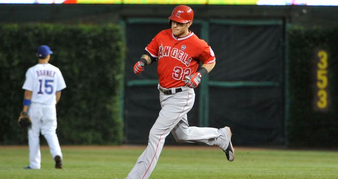 Josh Hamilton: Cracked two home runs as the Los Angeles Angels crushed the Chicago Cubs on Wednesday