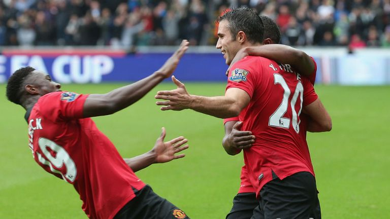 Danny Welbeck and Robin van Persie netted two goals apiece in 4-1 win over Swansea