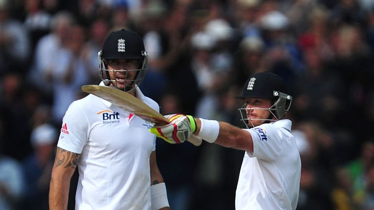 Pietersen and Bell: not fluent at The Oval