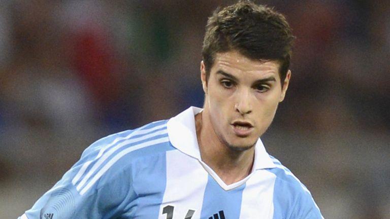 Erik Lamela: Roma's Argentina midfielder joins Tottenham