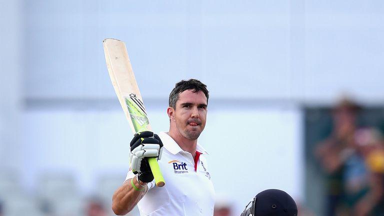Kevin Pietersen celebrates his 23rd Test century