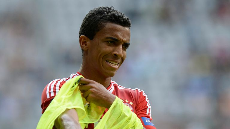 Luiz Gustavo: Would welcome Barcelona bid