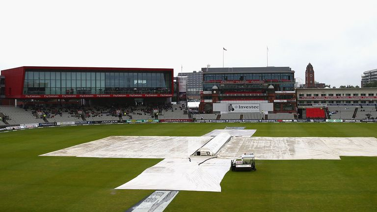 The Manchester weather was the key player on day five