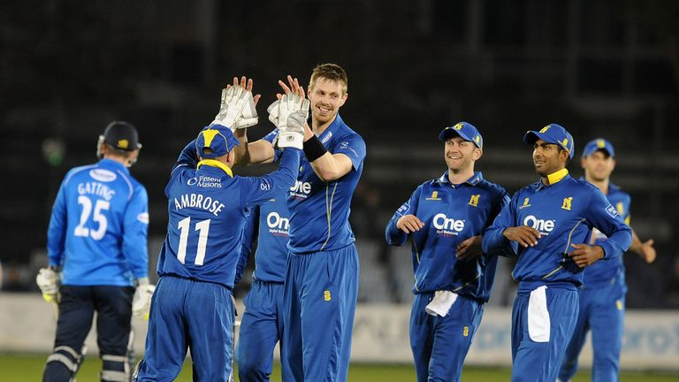 Warwickshire's T20 team to be known as 'Birmingham Bears'