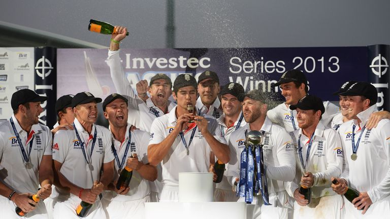 England, up to No 2 in the rankings, celebrate their Ashes series victory