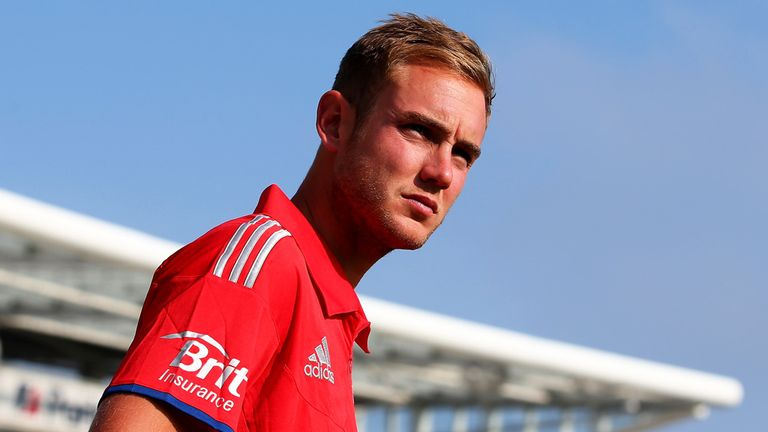 Stuart Broad: Committed to Notts until 2016