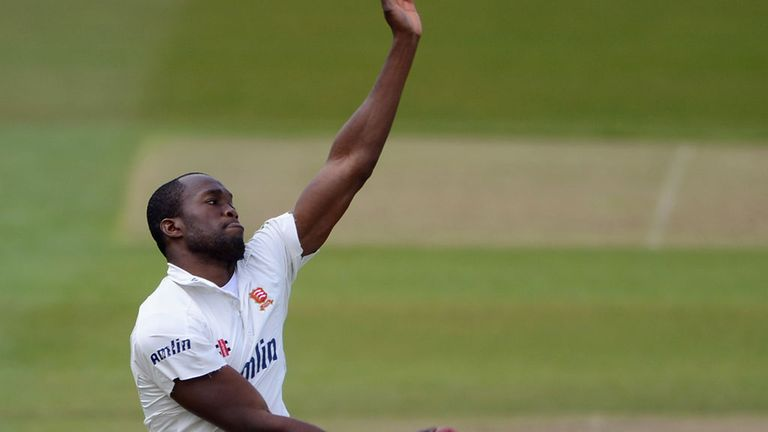Maurice Chambers: Swapped Essex for Edgbaston for rest of 2013 season