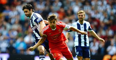 Claudio Yacob (l): Not one of his more influential games for Albion