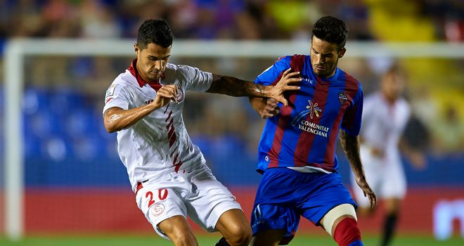 Vitolo and Ruben Garcia tangle