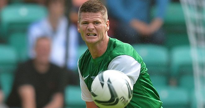 Michael Nelson: Hibernian defender sidelined for visit of Aberdeen