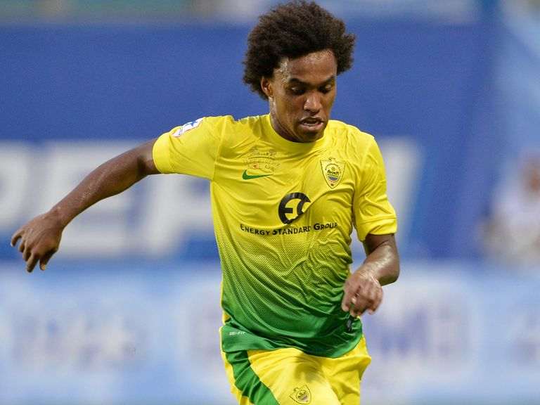 Willian: Backed for Chelsea move