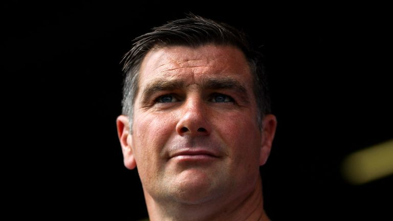 Richie Barker: Wants to finish month unbeaten