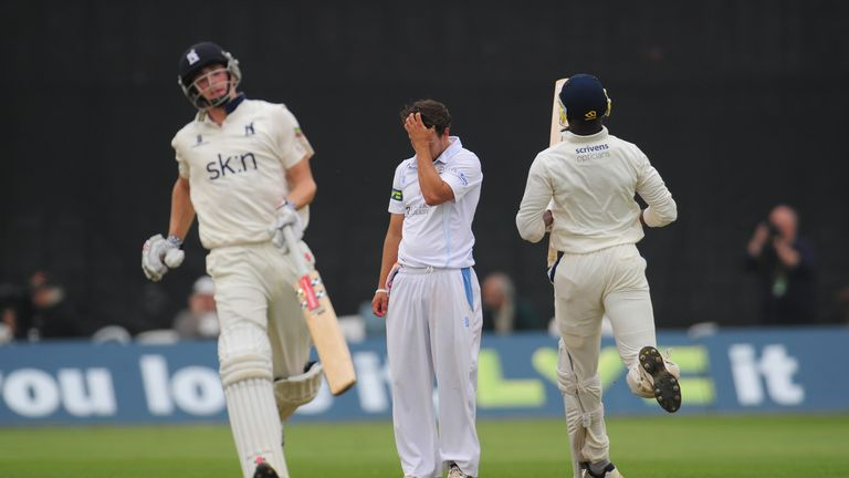 Alex Hughes (C): Frustrated by stand between Chris Woakes (L) and Maurice Chambers (R)