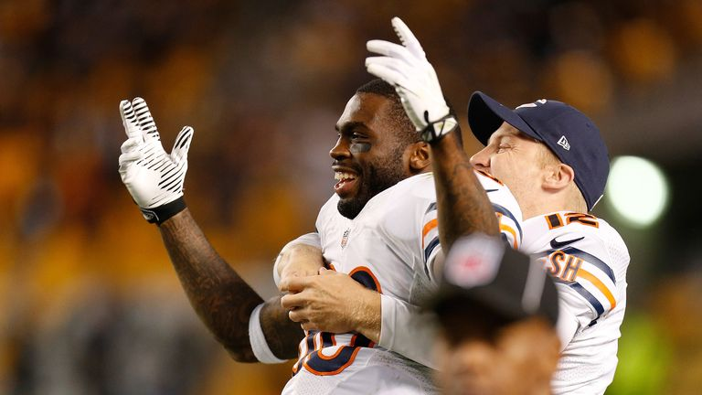 Earl Bennett celebrates after his fourth-quarter touchdown
