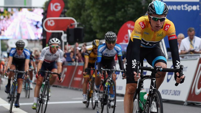 Bradley Wiggins survived a hectic final stage in London