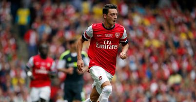 mesut-ozil-arsenal-stoke-premier-league_3007902.jpg?20130922155906
