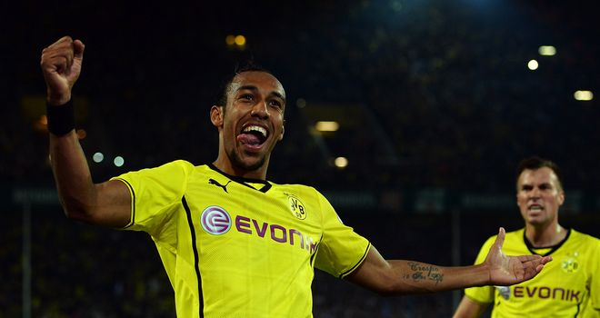 Pierre Aubameyang celebrates for Borussia Dortmund
